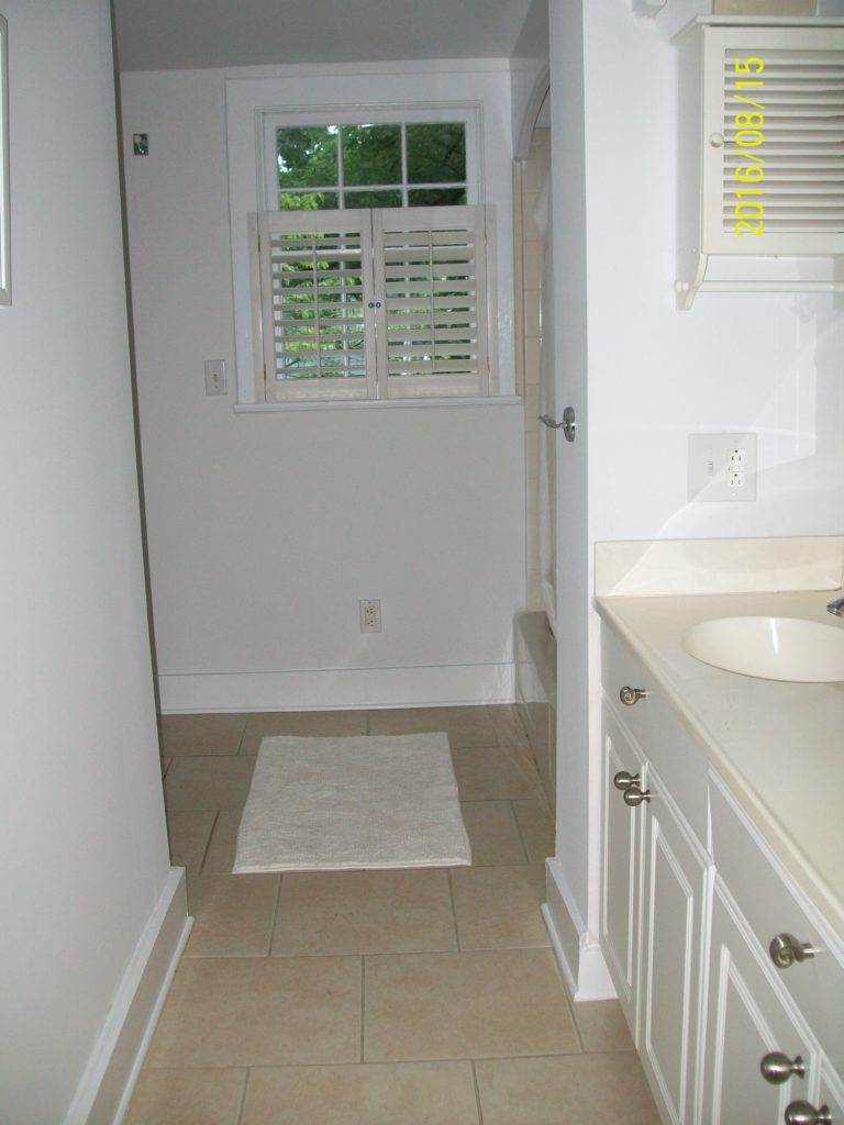 Old Bathroom before Charlotte Remodeling Contractor