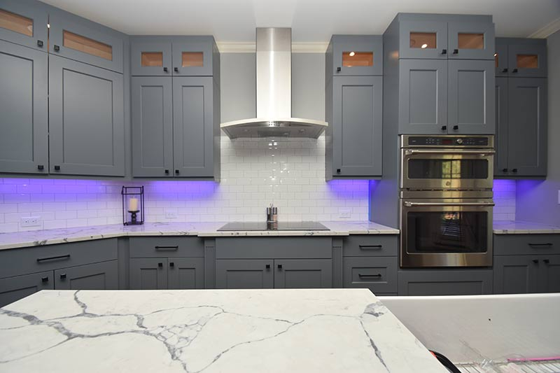 Kitchen Remodel with Hood Countertop and Bump Out